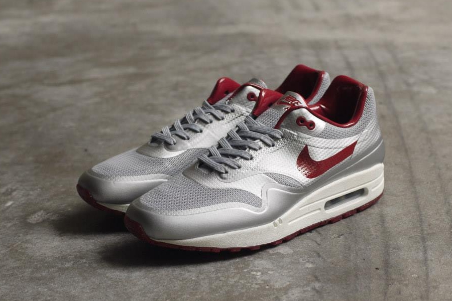 nike-air-max-1-night-track-pack-3