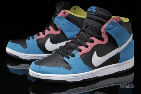 nike-sb-dunk-high-blue-hero-2