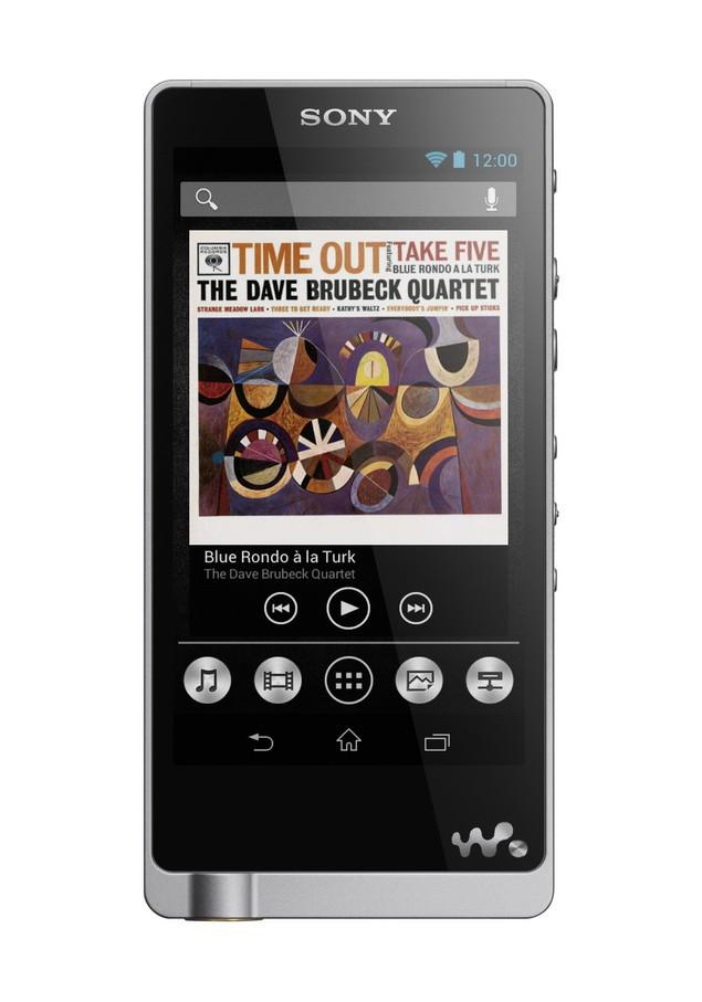 NWZ-ZX3 外型設計簡單俐落,細膩髮絲紋鋁合金機身與拋光按鍵完美詮釋Sony日系工藝精神,機背仿皮革設計展現旗艦機種質感。_