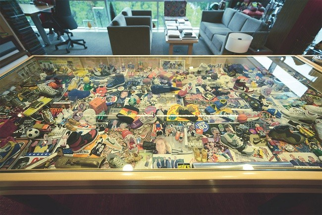 a-look-inside-nike-ceo-mark-parkers-office-4