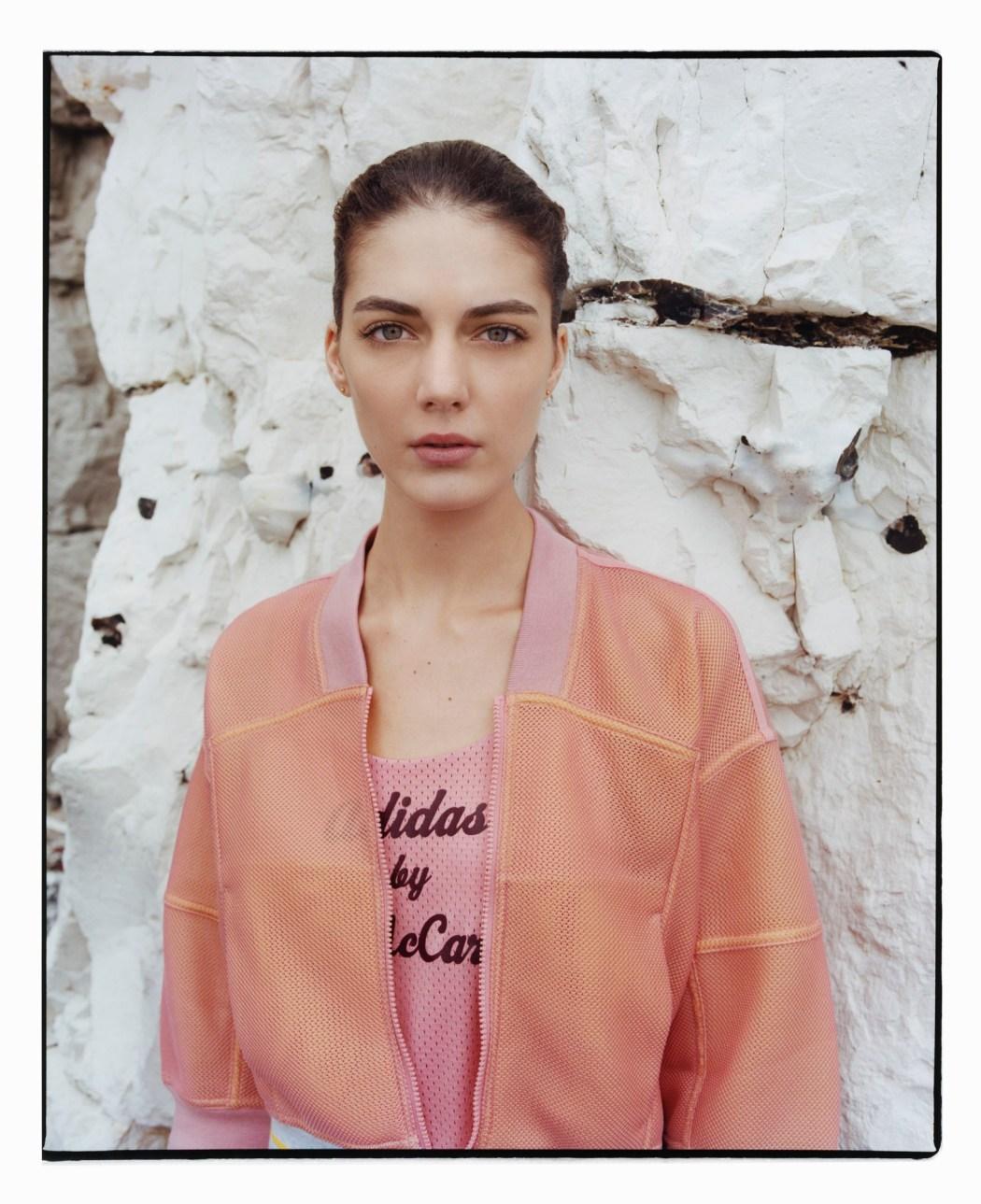adidas by Stella McCartney全新2014春夏系列 未來感圖紋襯托復古剪裁 營造摩登女性運動迷人姿態