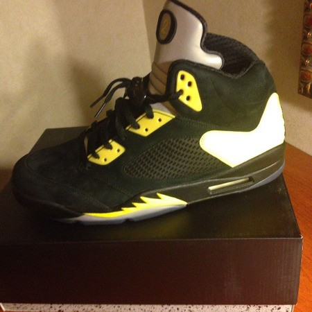 air-jordan-5-oregon-pe-1
