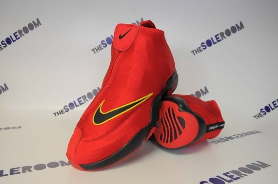 nike-air-zoom-flight-glove-miami-heat-1