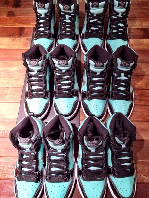nike-sb-dunk-high-tiffany-5