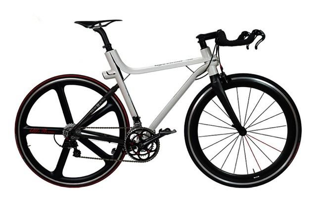 alfa-romeo-x-compagnia-ducale-ifd-4c-carbon-fiber-road-bike-0-1
