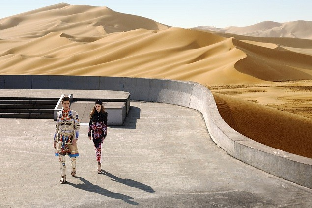 givenchy-2014-spring-summer-driving-the-dunes-of-erg-chebbi-editorial-1
