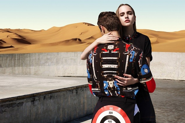 givenchy-2014-spring-summer-driving-the-dunes-of-erg-chebbi-editorial-4