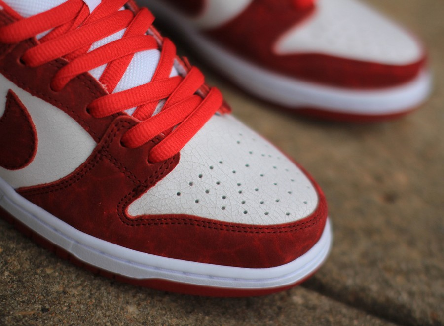 nike-sb-dunk-low-valentines-day-2