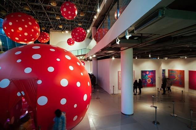 yayoi-kusamas-a-dream-i-dreamed-exhibition-moca-shanghai-8