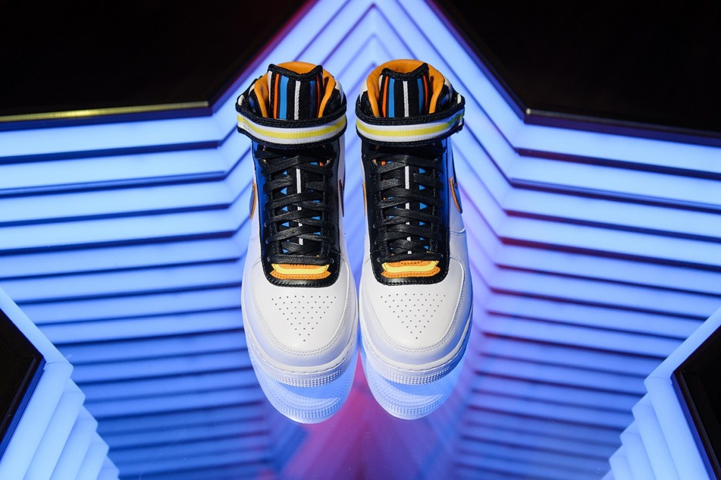 nike-r-t-new-york-pop-up-store-17