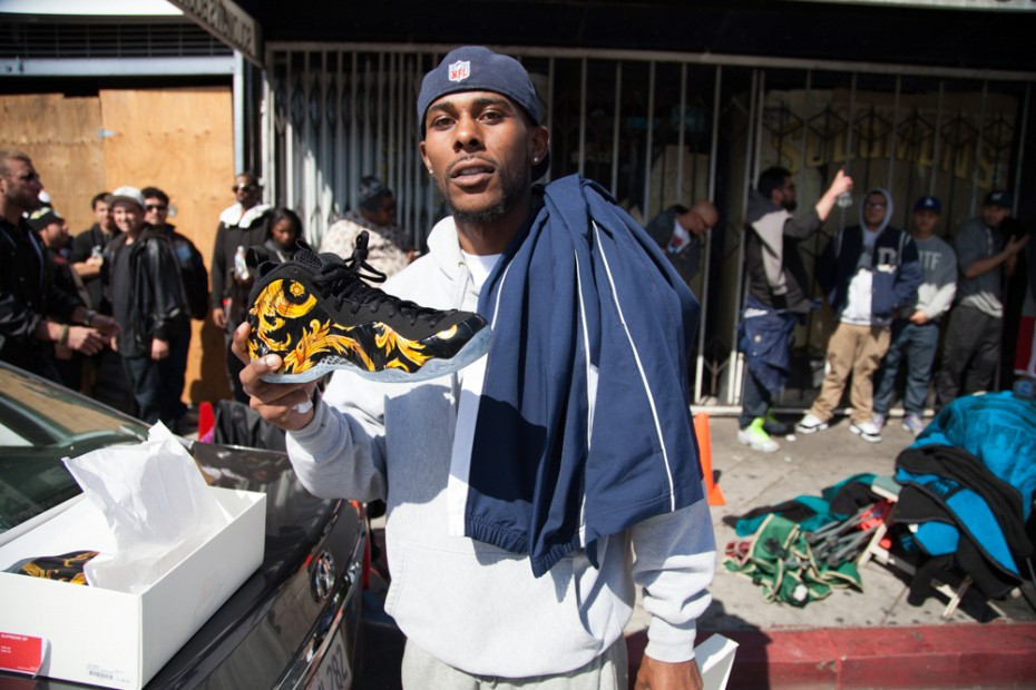 nike-foampostie-campout-at-supreme-los-angeles-4