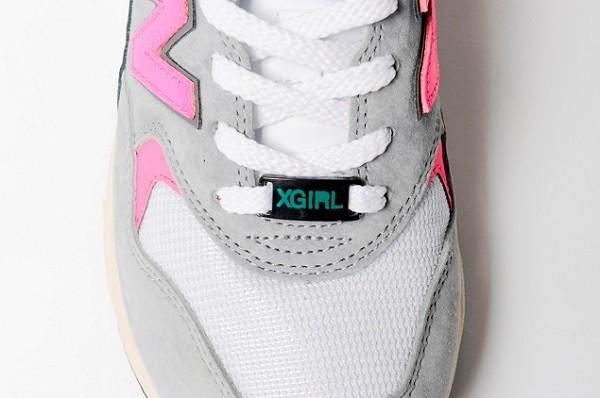X-GIRL x New Balance MRT580 (detail 1)