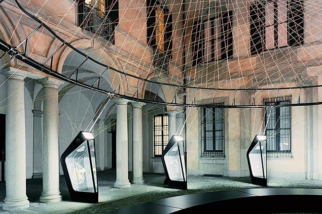 nike-uses-flyknit-technology-to-erect-the-aero-static-dome-3