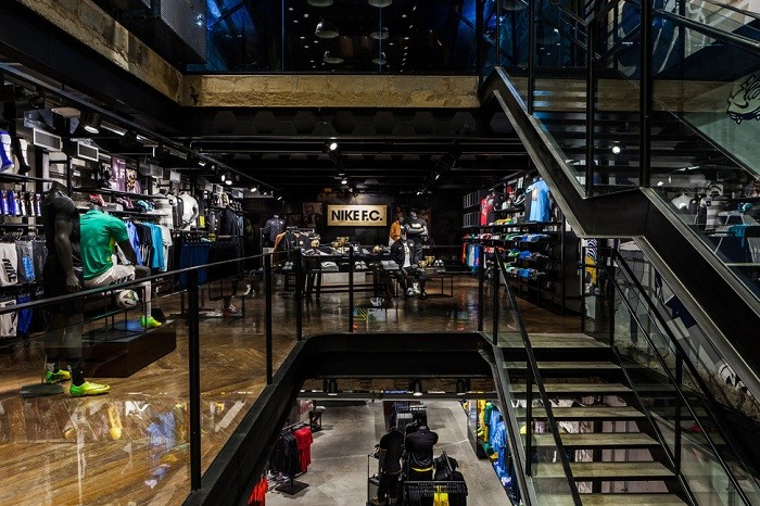 nike-opens-first-football-only-store-in-brasil-5-5