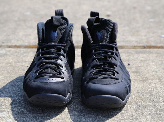 nike-foamposite-one-black-suede-6