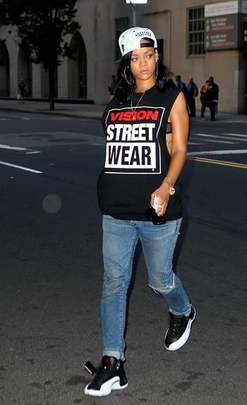 rihanna_new_york_city_trapstar_london_jordan_vision_streetwear2