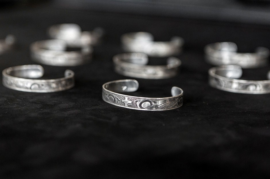 wings-and-horns-lattimer-gallery-justin-rivard-sterling-cuff-bracelet-3