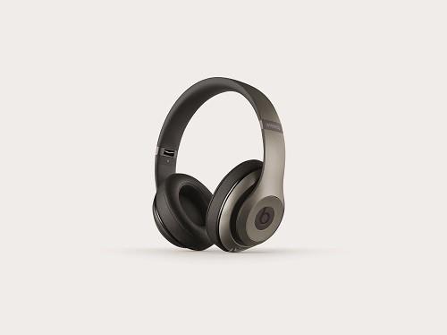 overear-studio-wireless-titanium-cmyk-thrqrtright