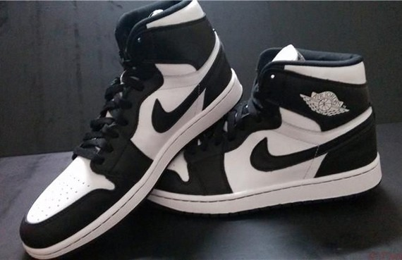 air-jordan-1-retro-high-og-black-white-1