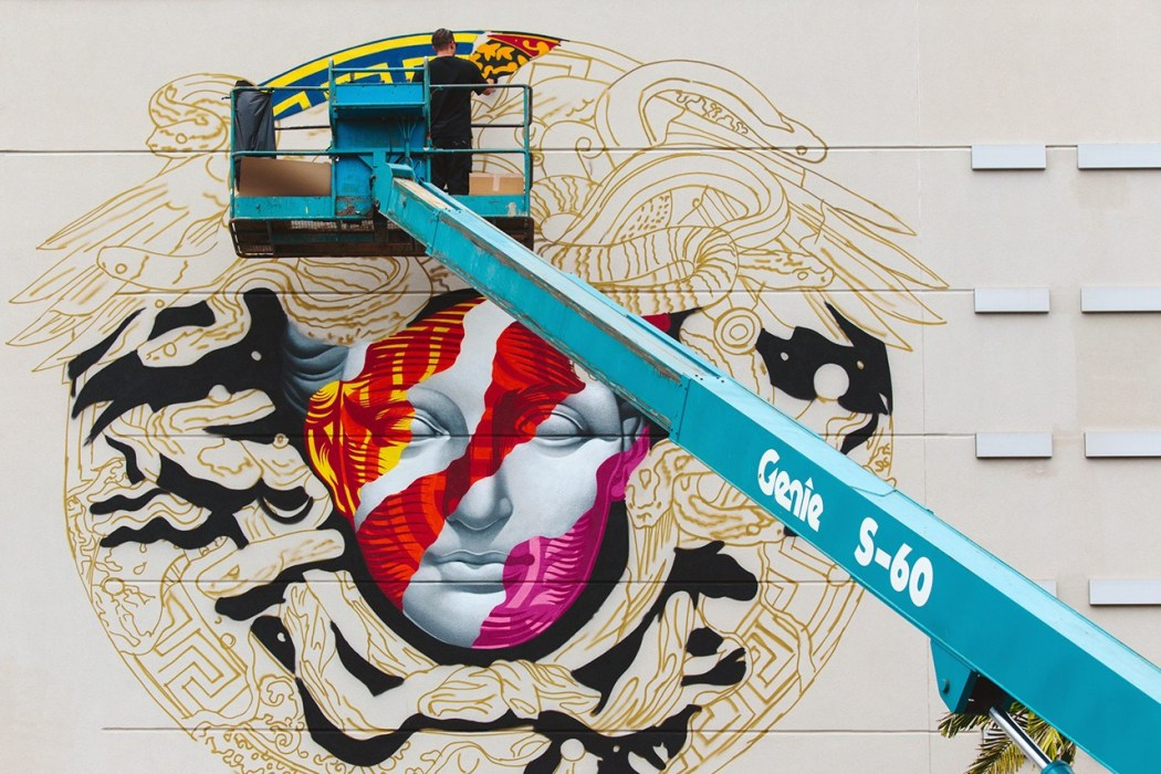 pow-wow-hawaii-x-versace-mural-by-tristan-eaton-08