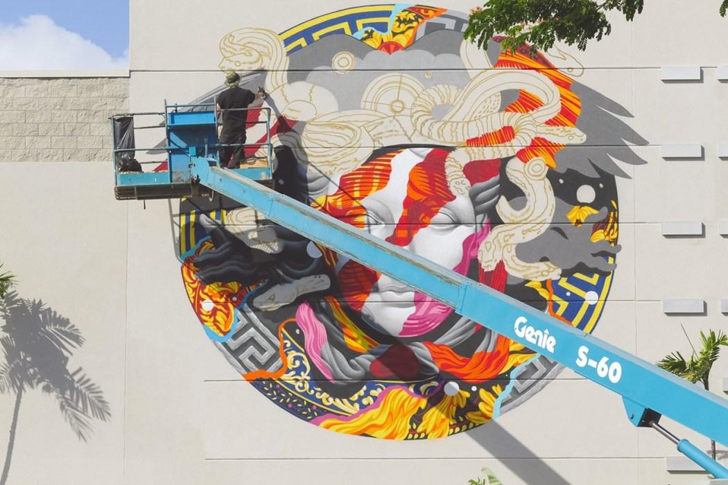 pow-wow-hawaii-x-versace-mural-by-tristan-eaton-15