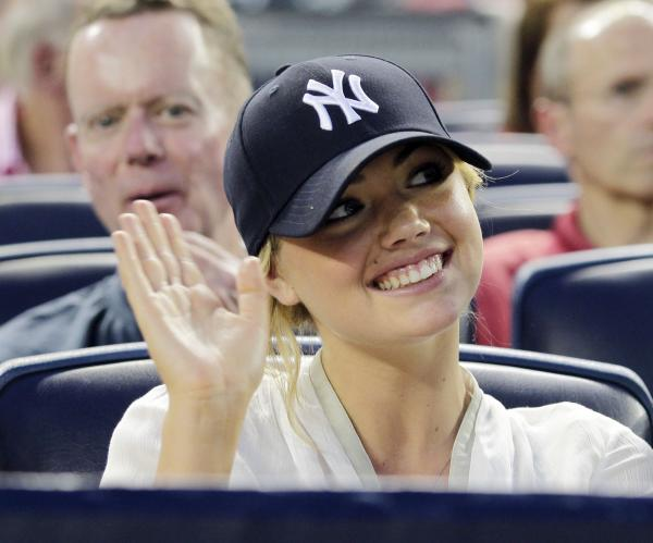 Report-Kate-Upton-and-Maksim-Chmerkovskiy-not-dating_st_th