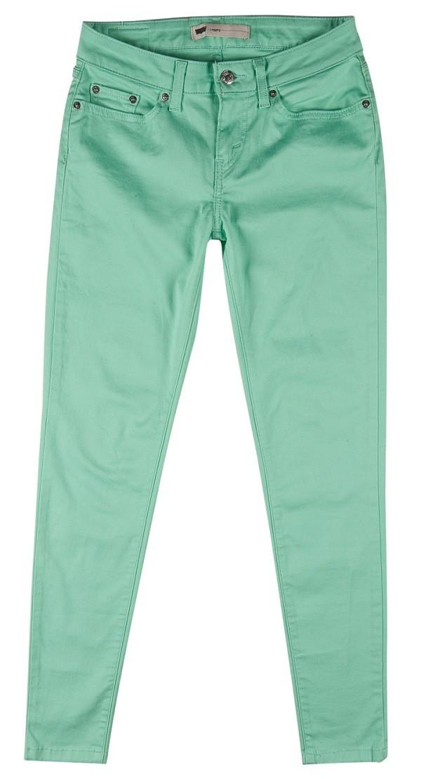 蘋果綠緊身褲大膽展現高調時尚感盡情玩美一夏