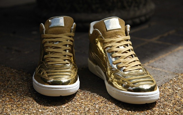 nike-tiempo-94-mid-sp-metallic-gold-1-960x640