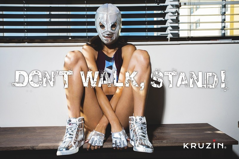 KruZin_don't walk, stand_4