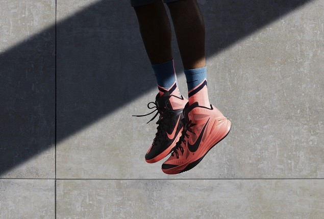Nike Hyperdunk 2014為籃球鞋極致輕盈的穿著體驗和卓越的緩衝功能賦予了新的定義