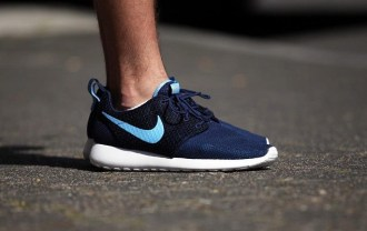 nike-roshe-run-navy-1