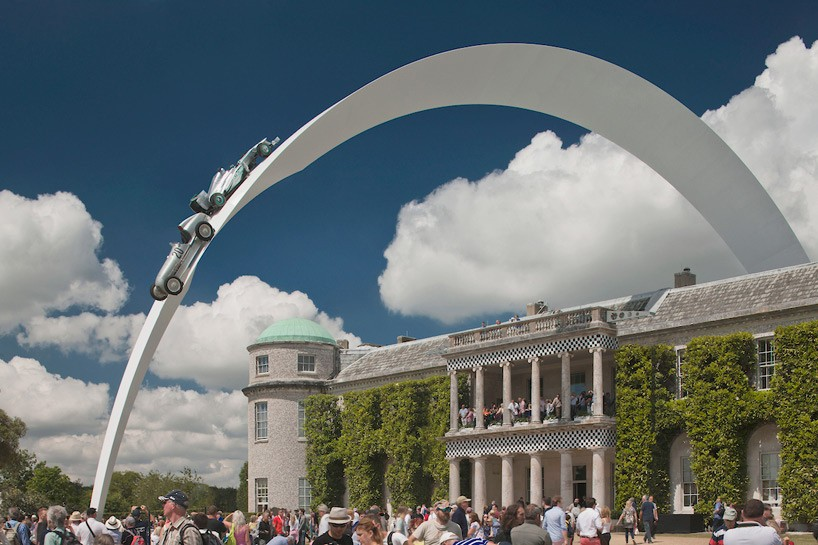goodwood-festival-of-speed-2014-mercedes-benz-sculpture-by-gerry-judah-3