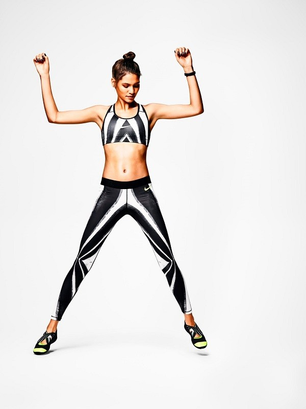 Nike女子設計團隊根據Nike運動研究實驗室提供的人體示意圖進行裁製,顯示出她們的肌肉和冷熱反應區所在位置,將藝術設計印製在緊身褲上