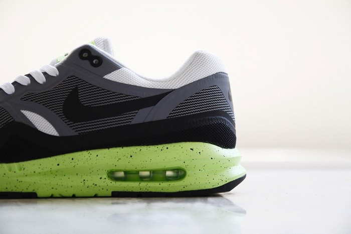a-closer-look-at-the-nike-air-max-lunar1-black-grey-volt-6