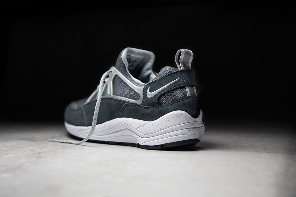 foot-patrol-nike-air-huarache-concrete-006-960x640