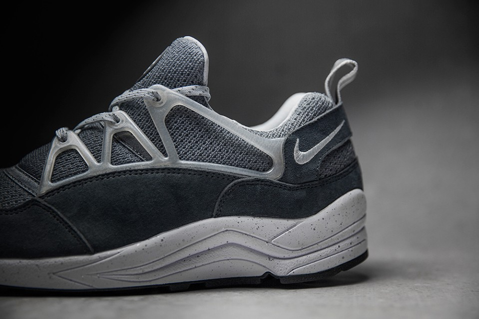 foot-patrol-nike-air-huarache-concrete-004-960x640