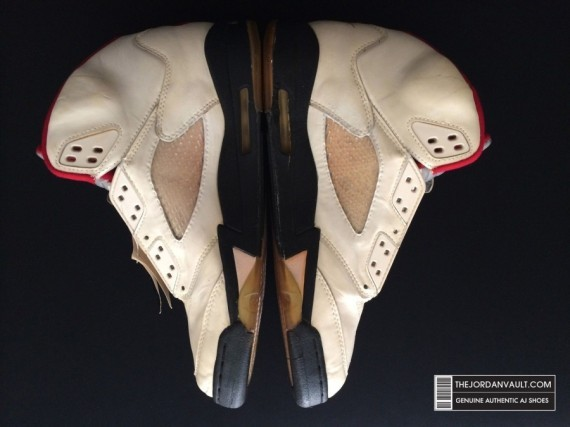 air-jrodan-5-white-fire-red-michael-jordan-original-08-570x427