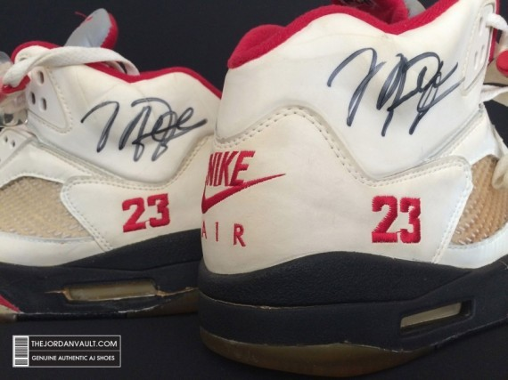 air-jrodan-5-white-fire-red-michael-jordan-original-10-570x427