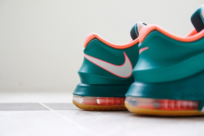 a-closer-look-at-the-nike-kd7-easy-money-7