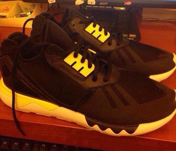 adidas-kanye-west-tubular-snake-black-yellow-01