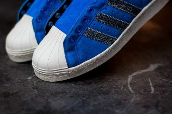 run-dmc-adidas-ultrastar-80s-bluebird-snakeskin-04-570x380