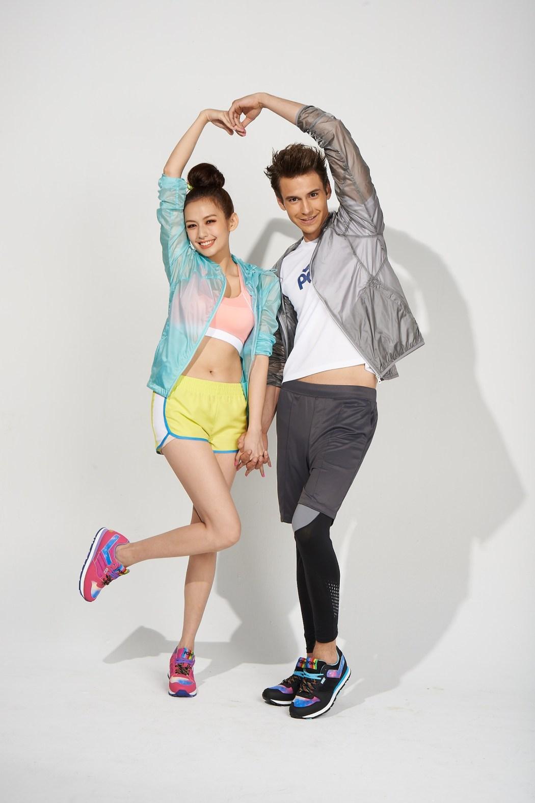 PONY代言人袁艾菲穿上PONY星炫銀河七夕情侶對鞋,祝福大家情人節快樂