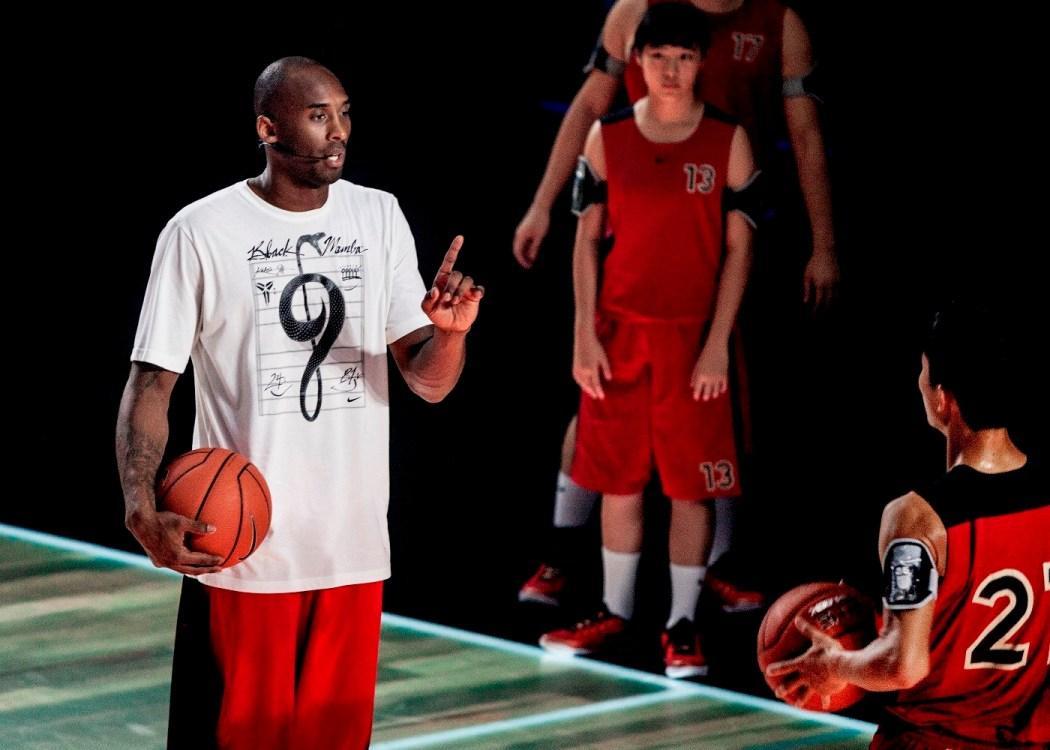 Kobe鼓勵所有球員:我為你們感到激動,無論是晉級的或者是將要離開的。你們所有人面前都有一條很長的路要走,不管未來怎樣,都要打出名堂
