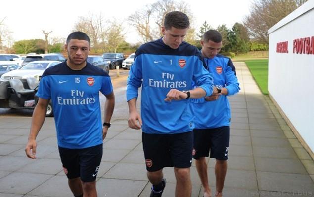 JEANRICHARD_Arsenal_Alex-Oxlade-Chamberlain_Wojciech-Szczesny_Kieran-Gibbs-600x404