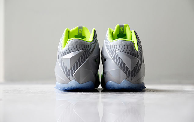 a-closer-look-at-the-nike-lebron-11-metallic-luster-ice-volt-7