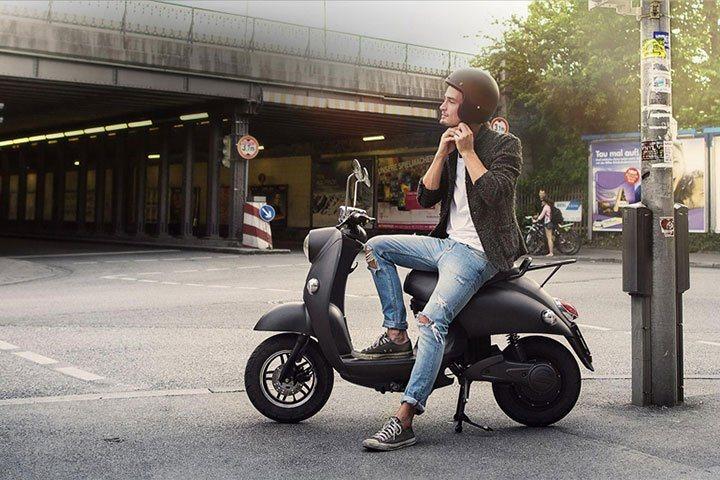 unu-electric-scooter-boasts-100-km-range-2
