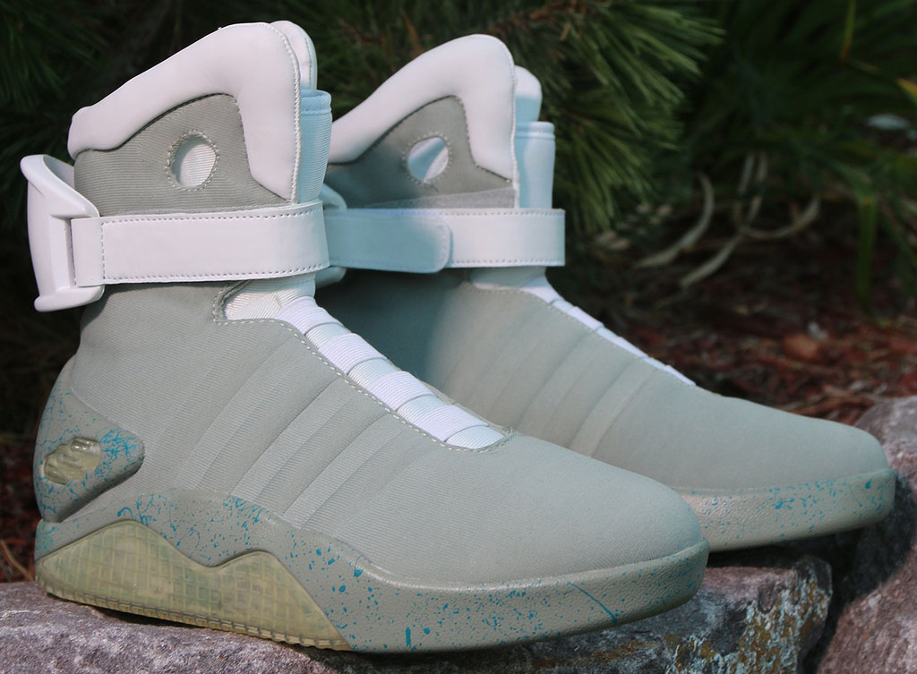 nike-mag-back-to-the-future-costume-shoes-02