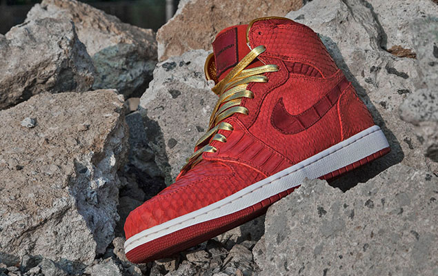 air-jordan-1-red-python-sueded-croc-by-jbf-customs-2-960x640