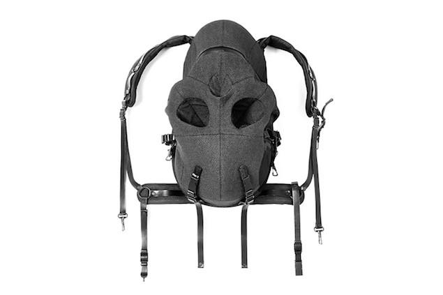 aitor-throup-for-dover-street-market-10th-anniversary-skull-rucksack-1