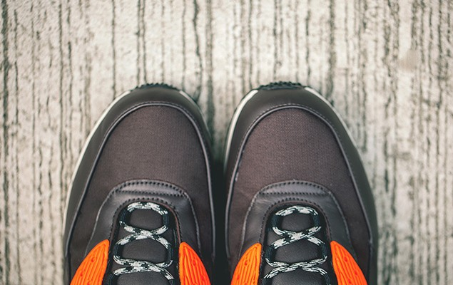 a-closer-look-at-nike-2014-holiday-air-max-90-sneakerboot-collection-3